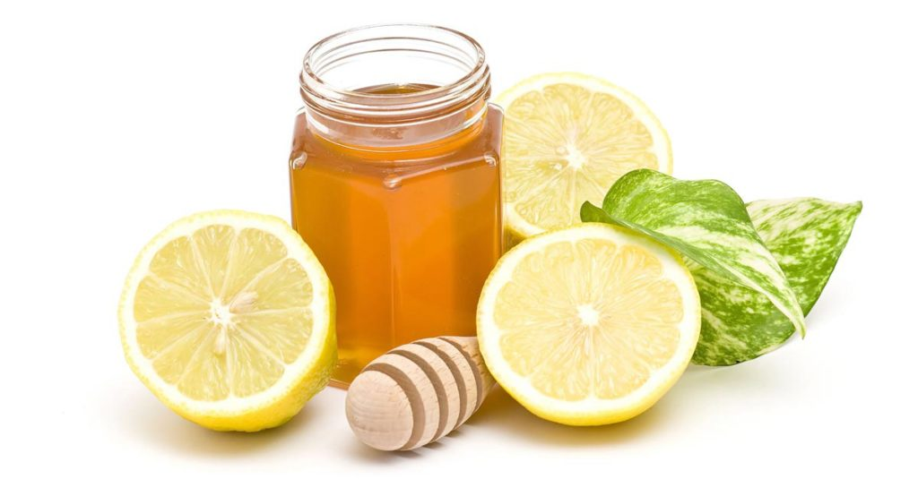 How to Prevent A Cold by Drinking Honey and Lemon